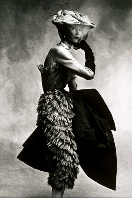 Balenciaga-book-p1-Vogue-16Sept13-Irving-Penn-Vogue-Conde-Nast-Inc-1950_b_426x639